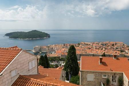 Cozy apartment in the center of Dubrovnik with ... Slide-1