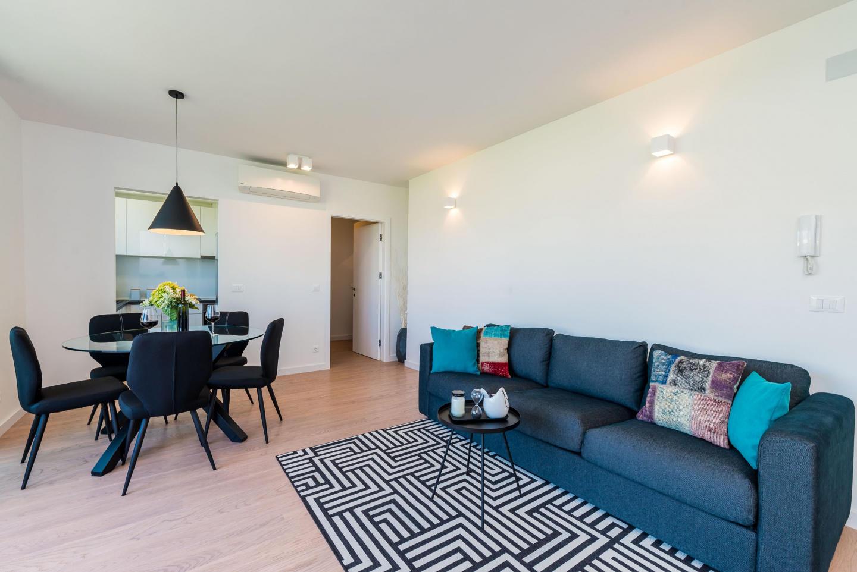 Spacious apartment close to the center of Dubro... Slide-3