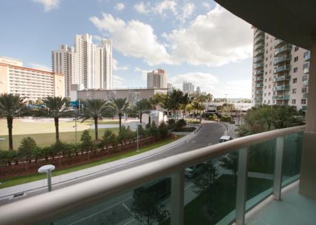 Large 1 Bedroom Park View @ Ocean Reserve OR-323