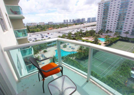 1 Bedroom Bay View OR814