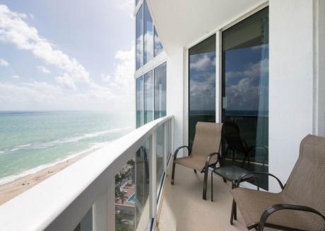 2 Bedroom Oceanfront  TP1409