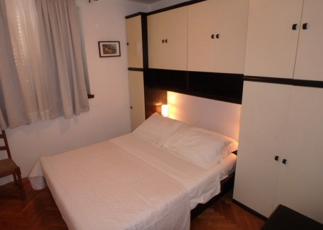Spacious apartment in with Parking, Internet, Washing machine, Air conditioning