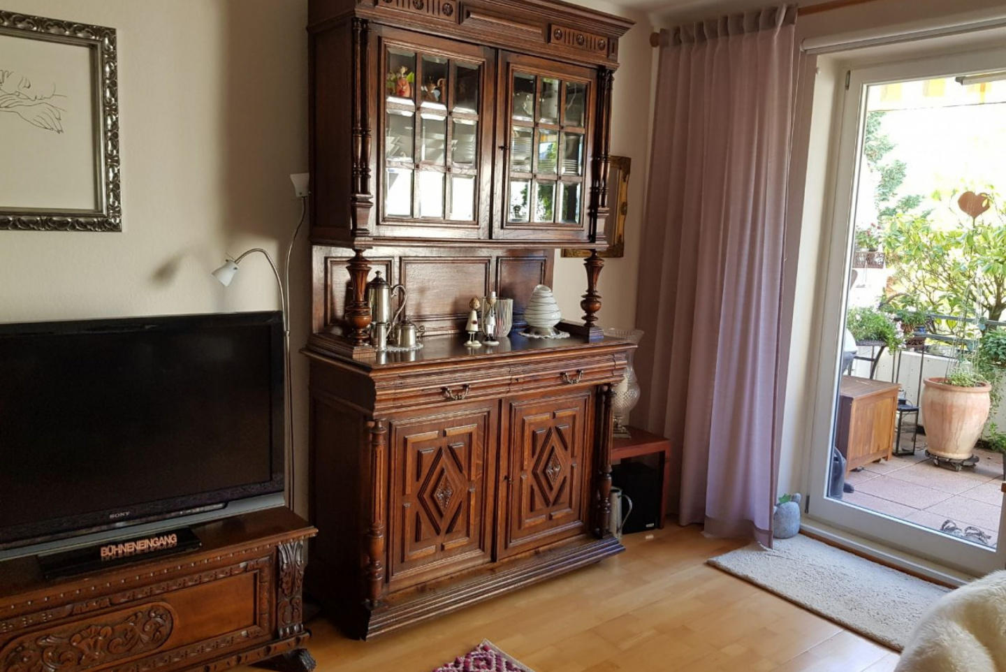 Spacious apartment in Langenhagen with Parking,... Slide-3