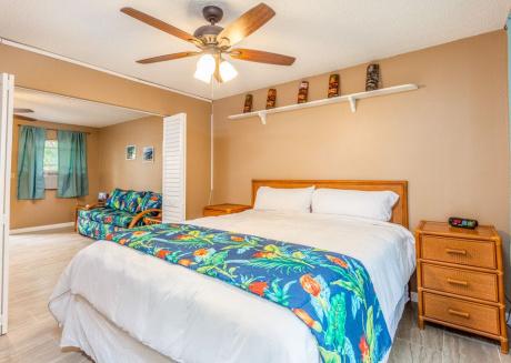 Kona Shores#130 Beautifully Remodeled Ground Floor Condo w/AC!