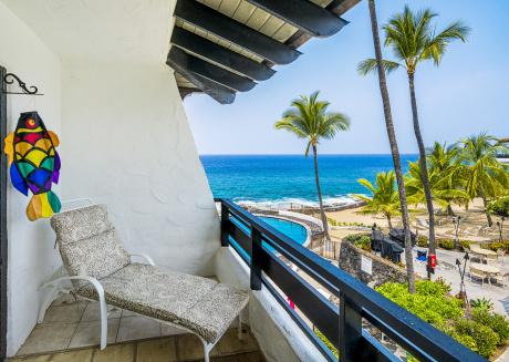 Casa De Emdeko 317- 2/2 Incredible Oceanview, Top Floor, AC, Elevators!
