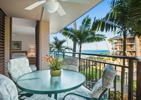 Kona Makai 1-204: BEAUTIFUL spacious condo with OCEAN VIEWS!