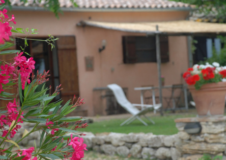 Silence and relaxation for families and couples in the countryside of Umbria