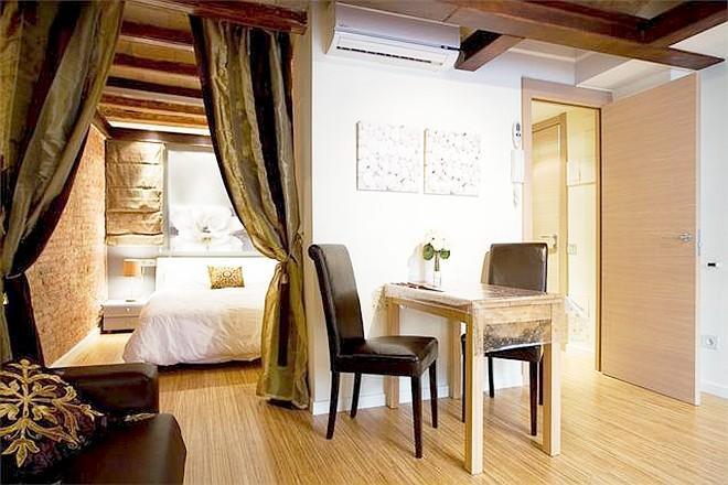 Zen Boqueria 1BR designer flat La Rambla - Bella 3 Slide-5