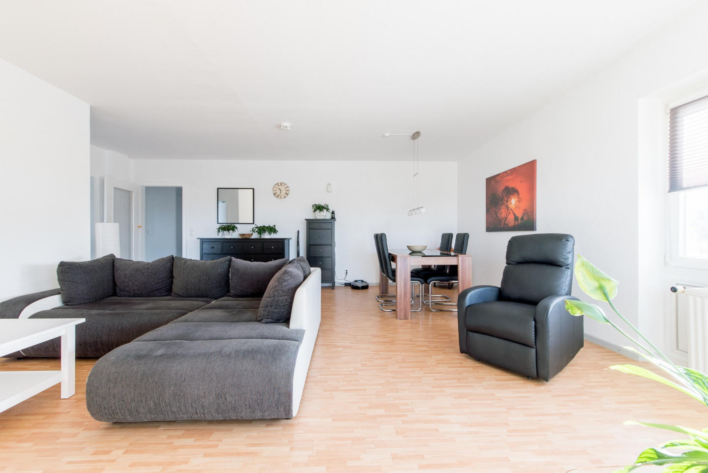 Spacious apartment in the center of Sarstedt wi... Slide-2