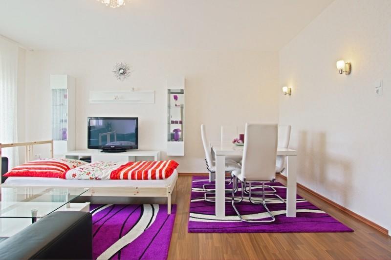 Spacious apartment close to the center of Hanov... Slide-2