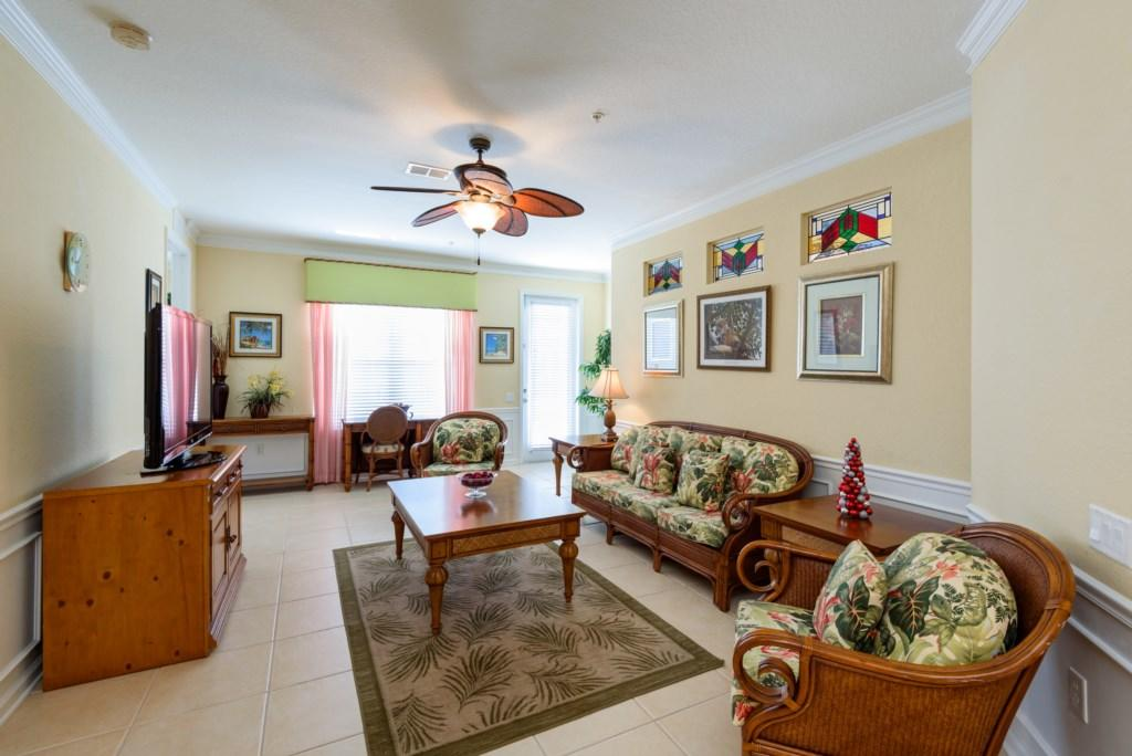 Vista Cay 4 Bed Luxury Lakeview | 1008 Slide-3