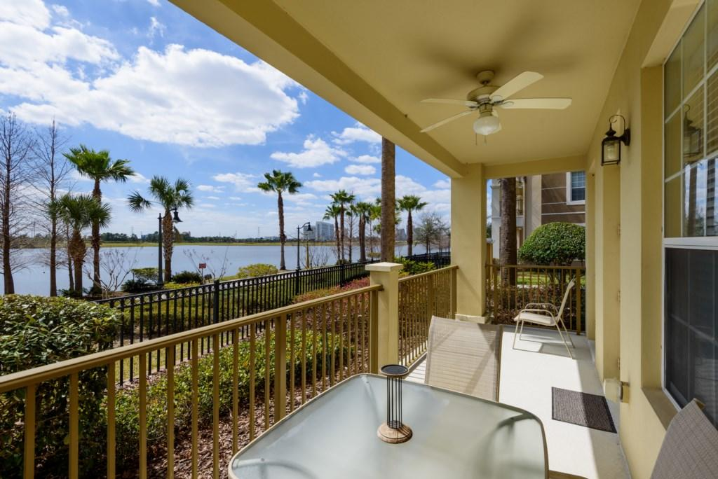 Vista Cay 4 Bed Luxury Lakeview | 1008 Slide-2