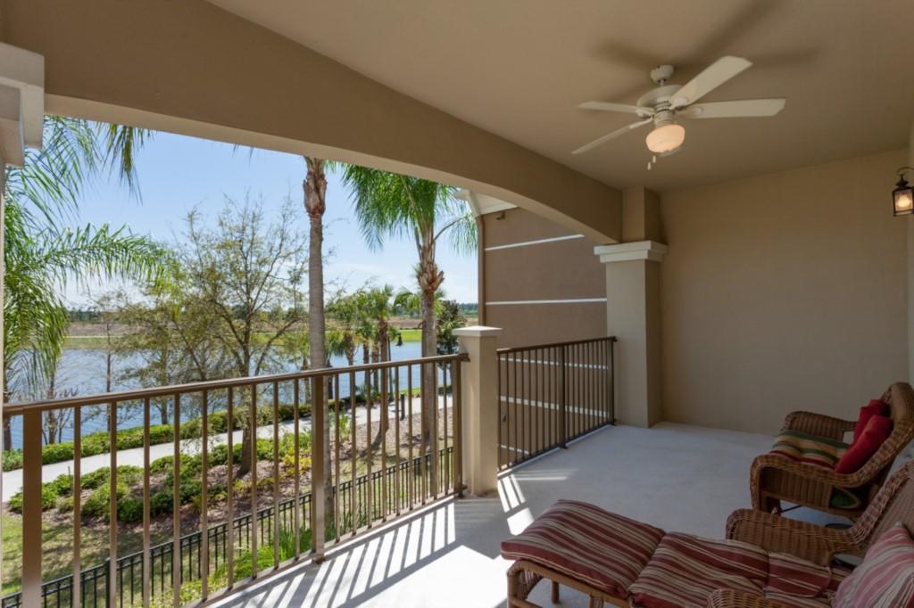 Vista Cay 3 Bed Premium Lakeview l 1004 Slide-2
