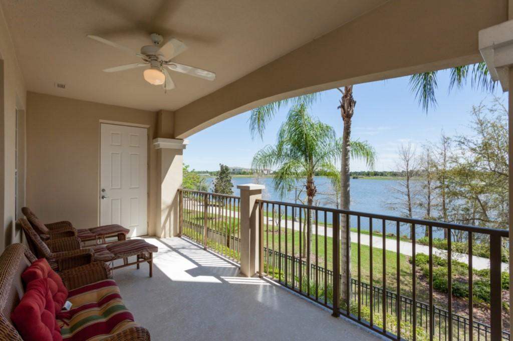 Vista Cay 3 Bed Premium Lakeview l 1004 Slide-3
