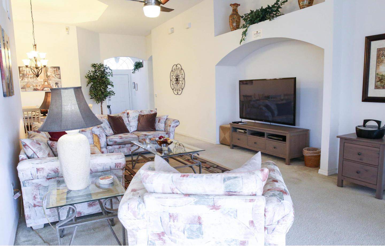 Large 3 Bedroom Home 15 Minutes From Walt Disne... Slide-2
