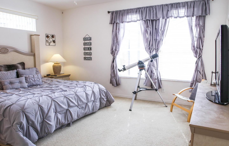 Large 3 Bedroom Home 15 Minutes From Walt Disne... Slide-3