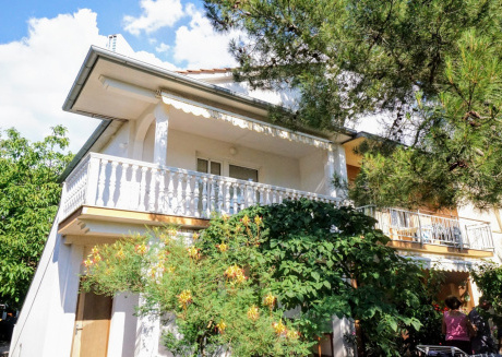Cozy apartment in Bašanija with Parking, Internet, Air conditioning, Terrace