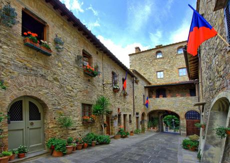 Cozy apartment in Cortine with Balcony, Garden