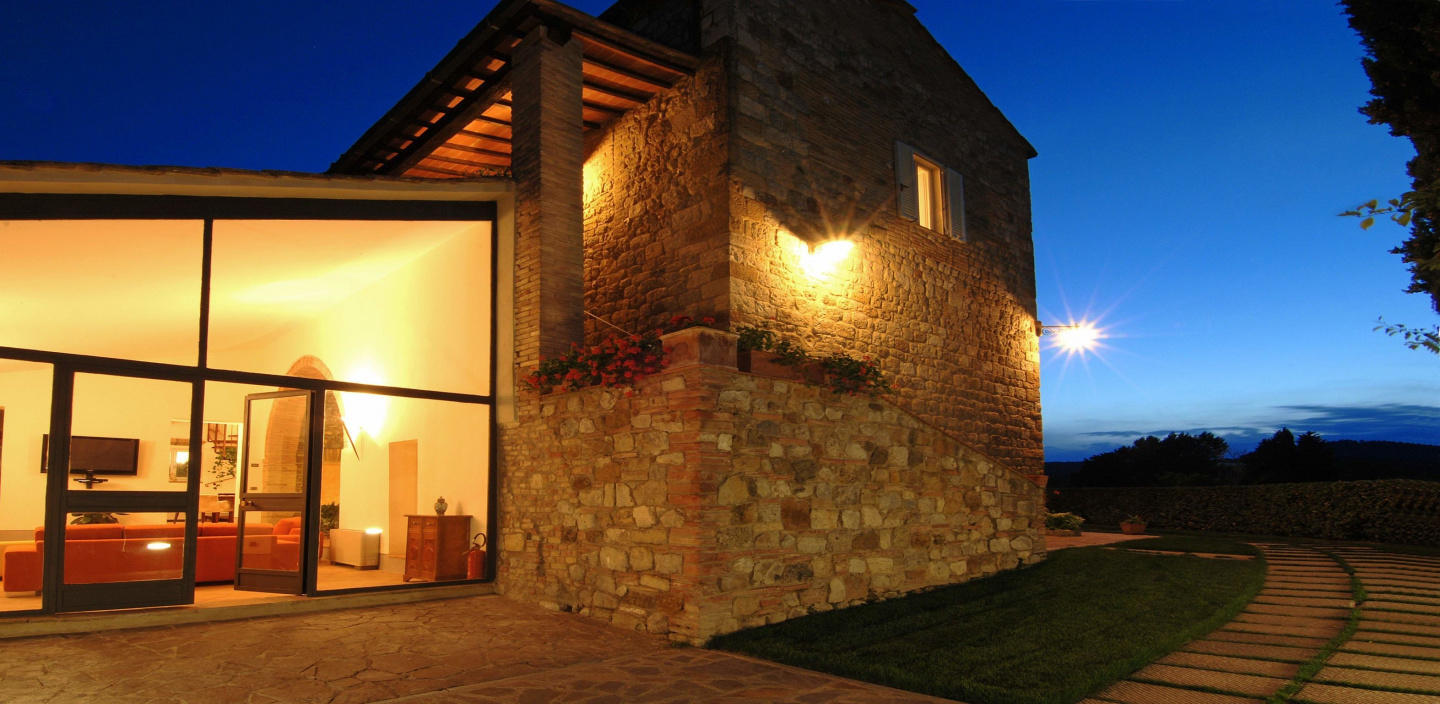 Spacious villa in San Gimignano with Parking, I... Slide-3
