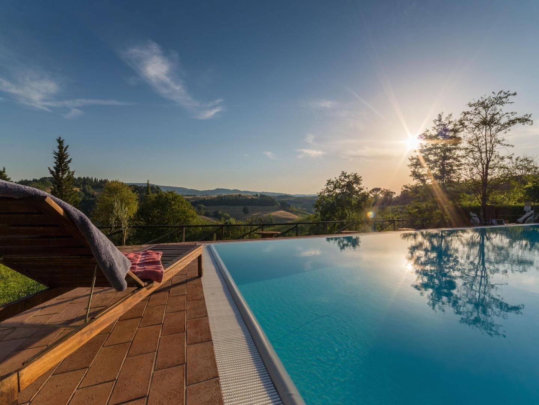 Spacious apartment in San Gimignano with Parkin... Slide-3