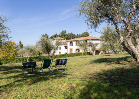 Spacious apartment in Grassina with Parking, Internet, Pool, Garden