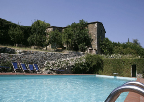 Spacious apartment in the center of Badia Coltibuono with Parking, Internet, Pool