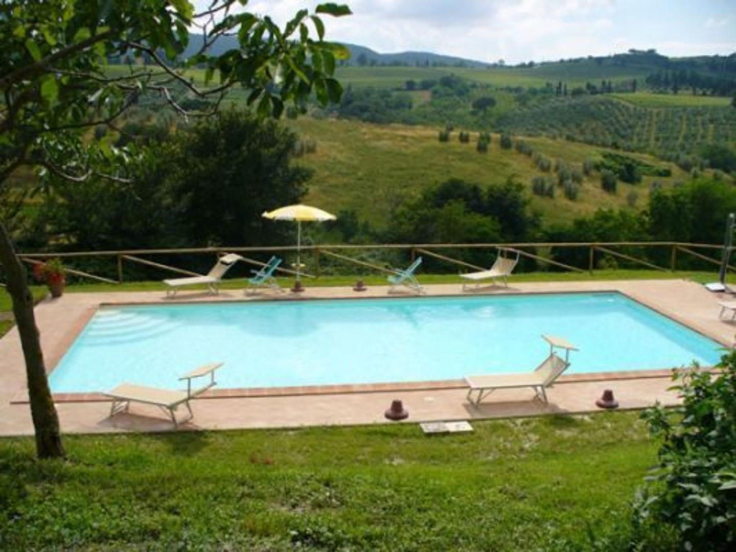 Cozy apartment in San Gimignano with Parking, I... Slide-3