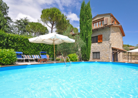 Spacious villa in the center of San Sano with Parking, Internet, Washing machine, Air conditioning