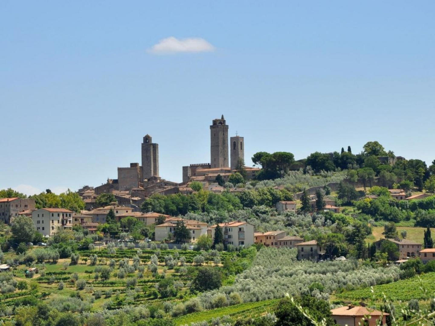 Spacious apartment in San Gimignano with Parkin... Slide-3