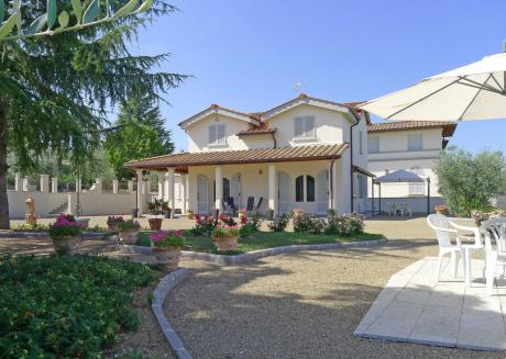 Spacious villa in Gaville with Parking, Internet, Washing machine, Pool