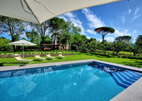 Spacious villa in the center of Frassineto with Parking, Internet, Washing machine, Air conditioning