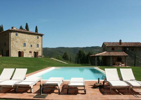 Spacious villa in Bucine with Parking, Internet, Washing machine, Air conditioning