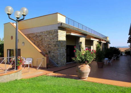 Spacious apartment in Cortine with Parking, Internet, Washing machine