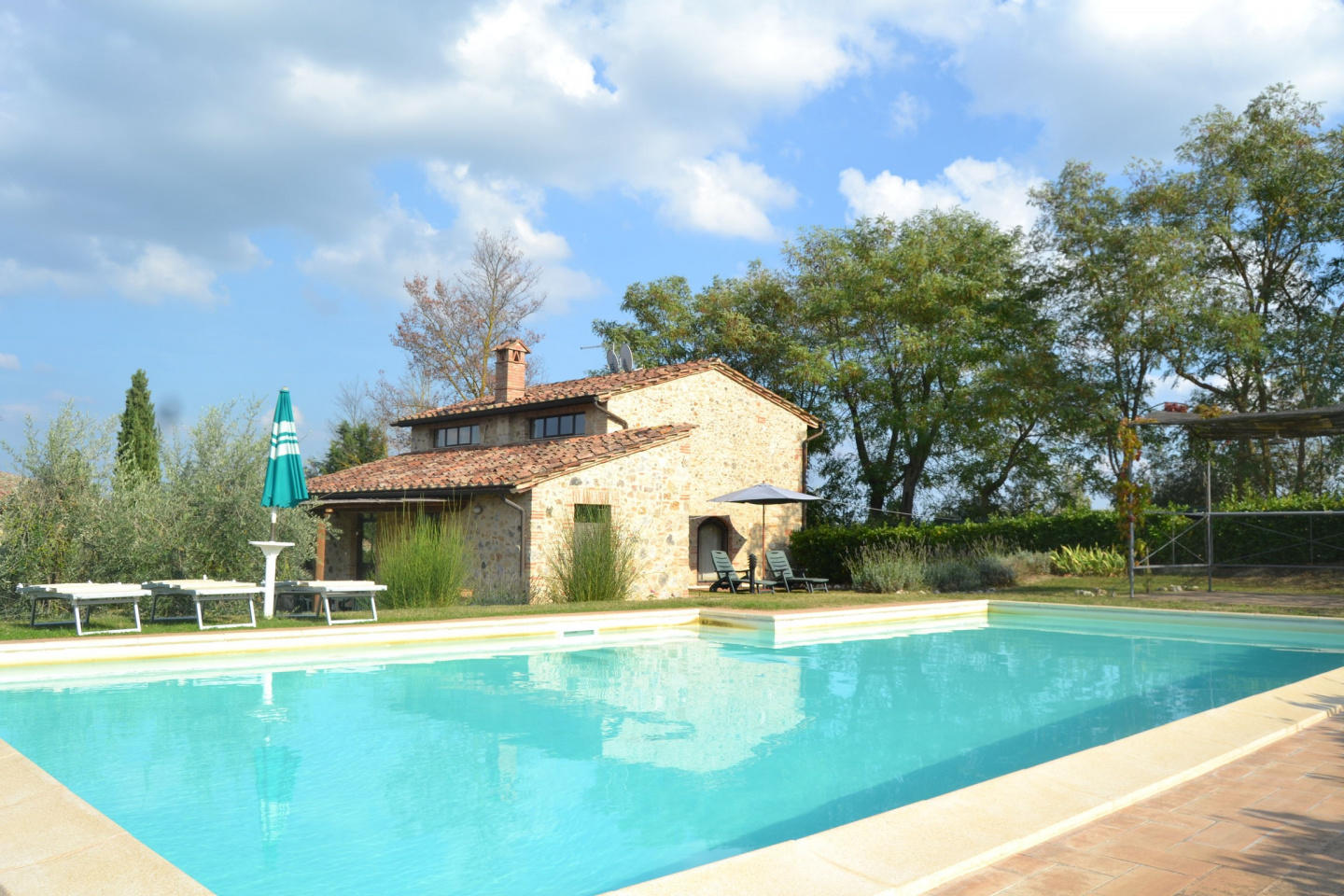 Spacious villa in San Gimignano with Parking, W... Slide-1