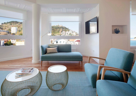 Spacious apartment close to the center of San Sebastián with Lift, Internet, Washing machine