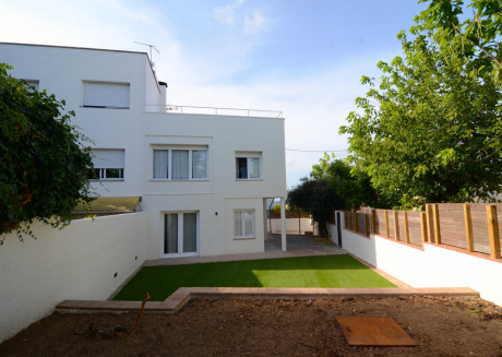 Cozy house in the center of Palafrugell with Parking, Washing machine, Air conditioning, Pool
