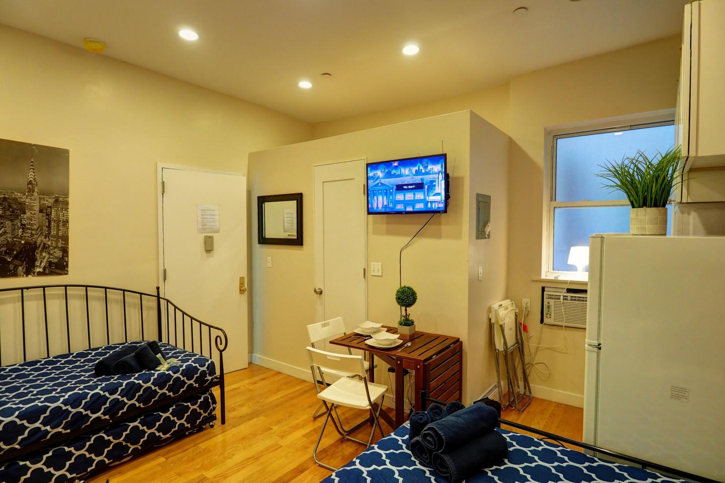 Cozy apartment in New York with Lift, Internet,... Slide-2