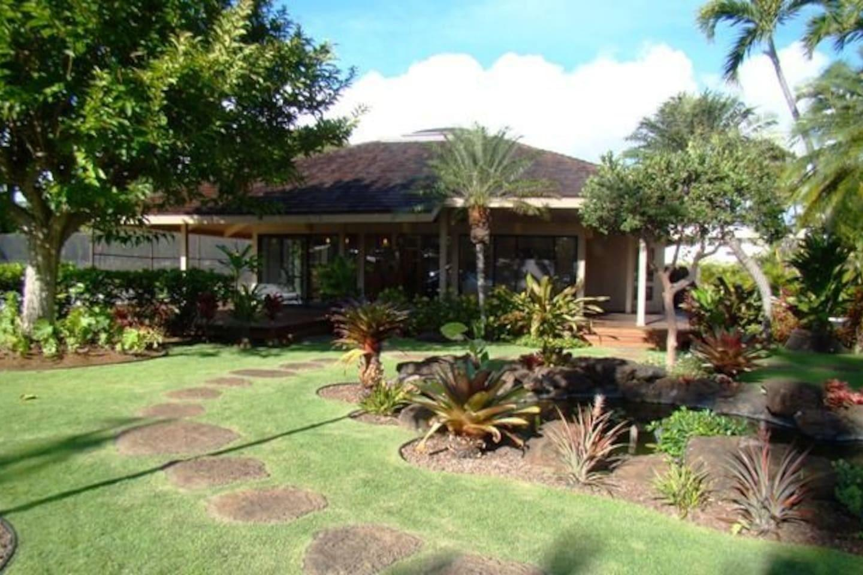 Cozy house in Honolulu with Parking, Internet, ... Slide-2