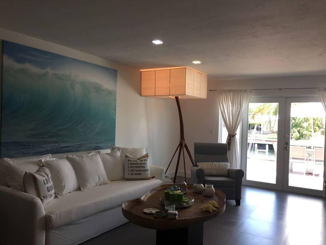Cozy house in North Miami Slide-3