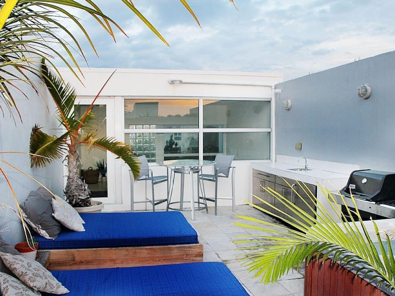 Cozy house close to the center of Miami Beach w... Slide-3
