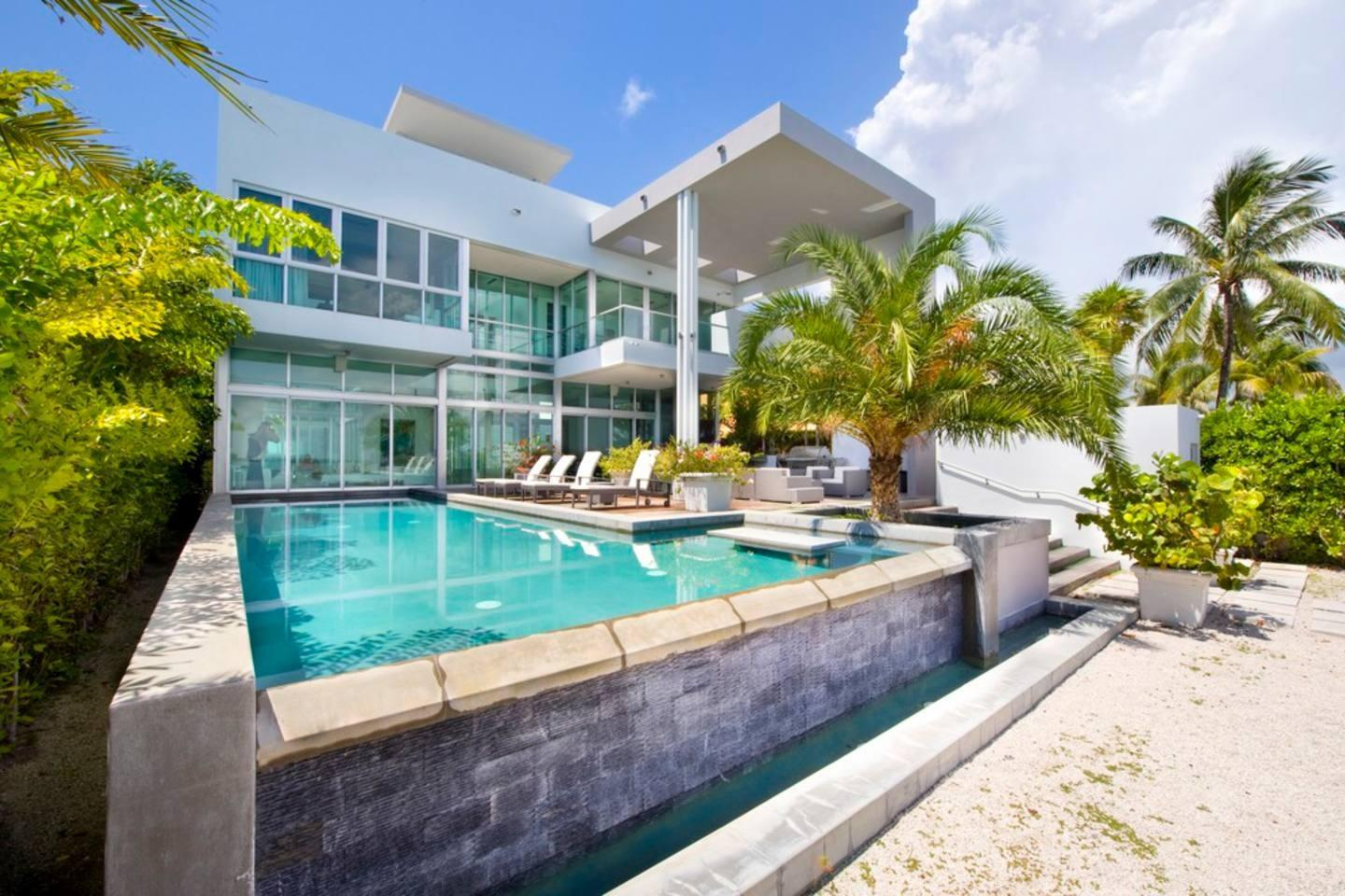 Cozy house in Miami Beach with Lift, Internet, ... Slide-3