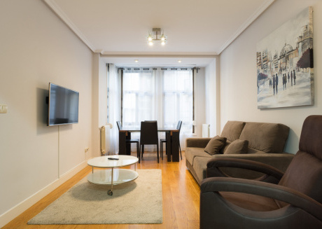 Cozy apartment very close to the centre of San Sebastián with Lift, Internet, Washing machine
