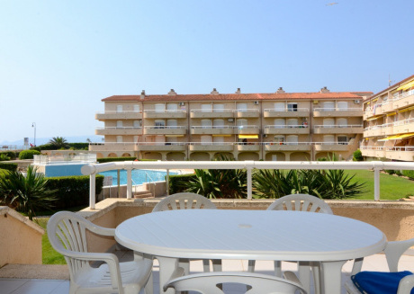 Cozy apartment in the center of Els Griells with Pool, Terrace