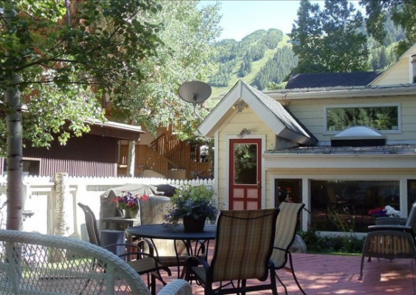 Cozy house in the center of Aspen with Internet
