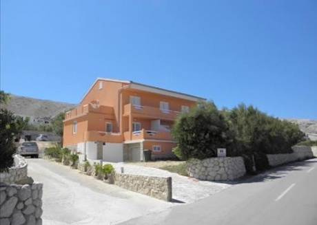 Cozy apartment close to the center of Pag with Parking, Internet, Balcony, Terrace