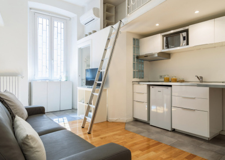 Cozy apartment in Milan with Lift, Parking, Internet, Washing machine
