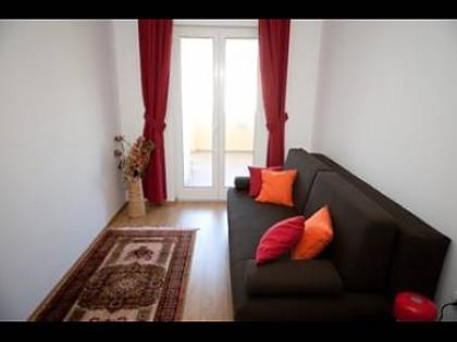 Cozy apartment close to the center of Dubrovnik... Slide-1