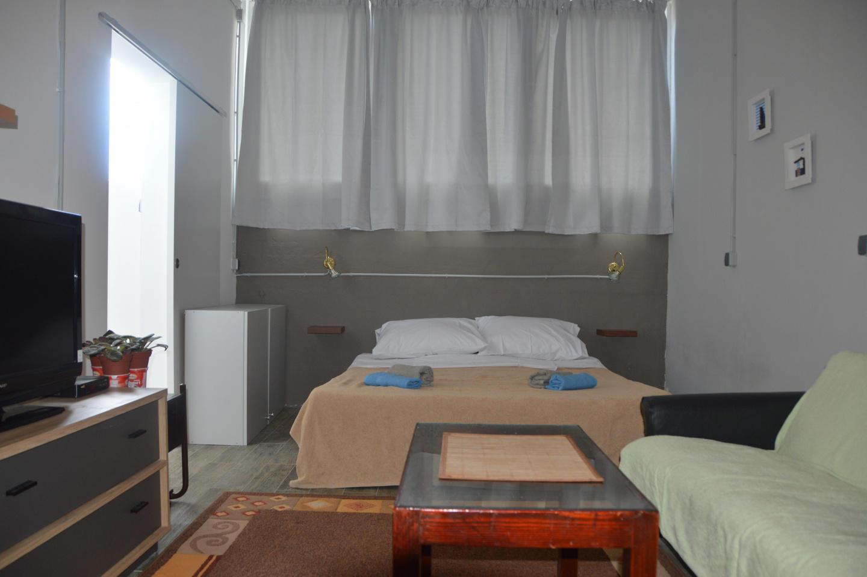 Spacious apartment close to the center of Pula ... Slide-2