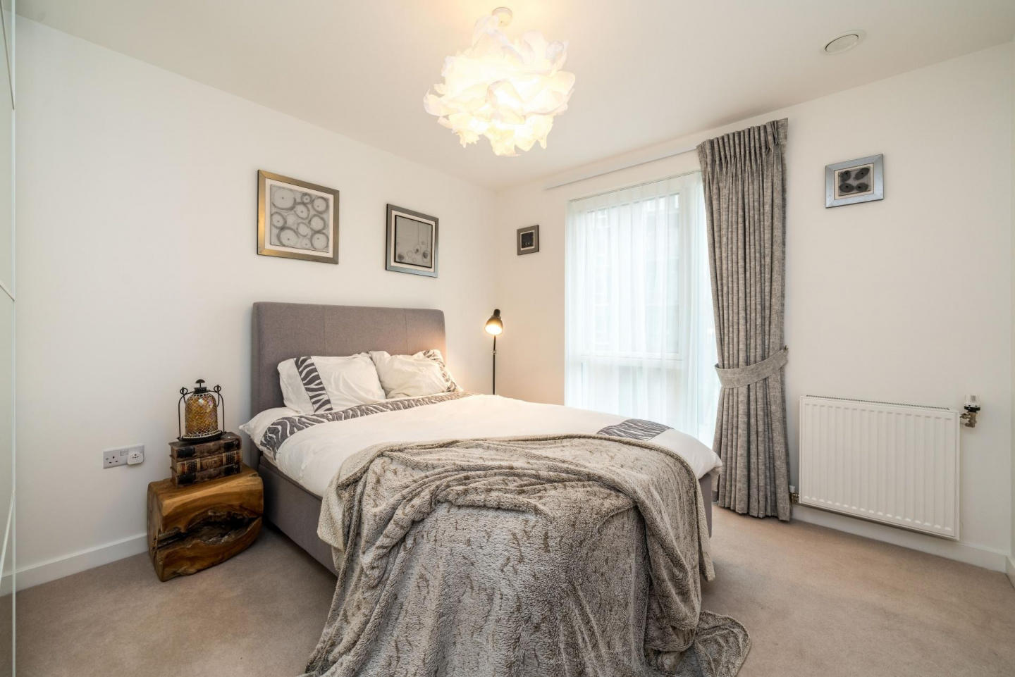 Spacious apartment in London with Lift, Interne... Slide-1