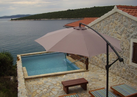 Cozy country house in Tkon with Parking, Pool, Terrace